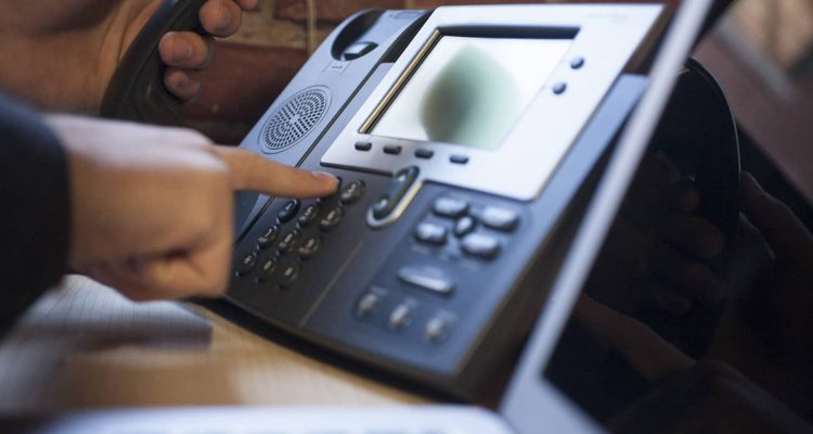 VoIP How-To's: How do I record a new auto attendant message?